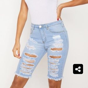 Pretty Little Thing High Waisted 3/4 shorts